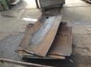 Stahlstücke liegen auf Palette zum Abtransport.